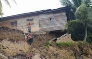 Bencana Longsor di Paya Bakong Rusak dan Ancam Rumah Warga