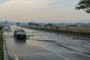 Jalan Tol Padaleunyi KM 130 Tergenang, Jasa Marga Imbau Pengendara Berhati-hati