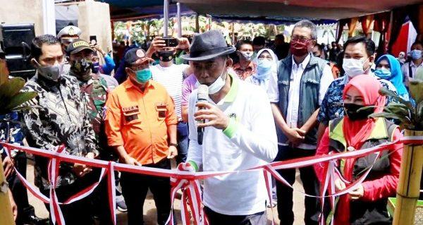 Kang Jimat Resmikan Rumah Warga Korban Pohon Tumbang