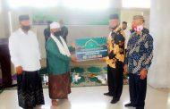 93 Dayah di Aceh Utara Terima Bantuan Pembelajaran Daring