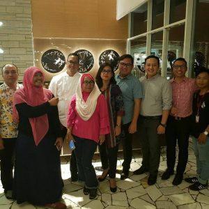 Chef Degan saat berkunjung ke Resinda Hotel Karawang (Padma Hotels Group) dan berfoto bersama dengan awak media dan jajaran manajemen Resinda Hotel Karawang