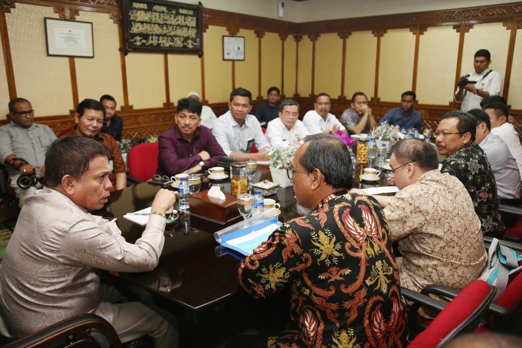 Gubernur Aceh Keluhkan PLN Belum Cukup Penuhi Kebutuhan Warganya