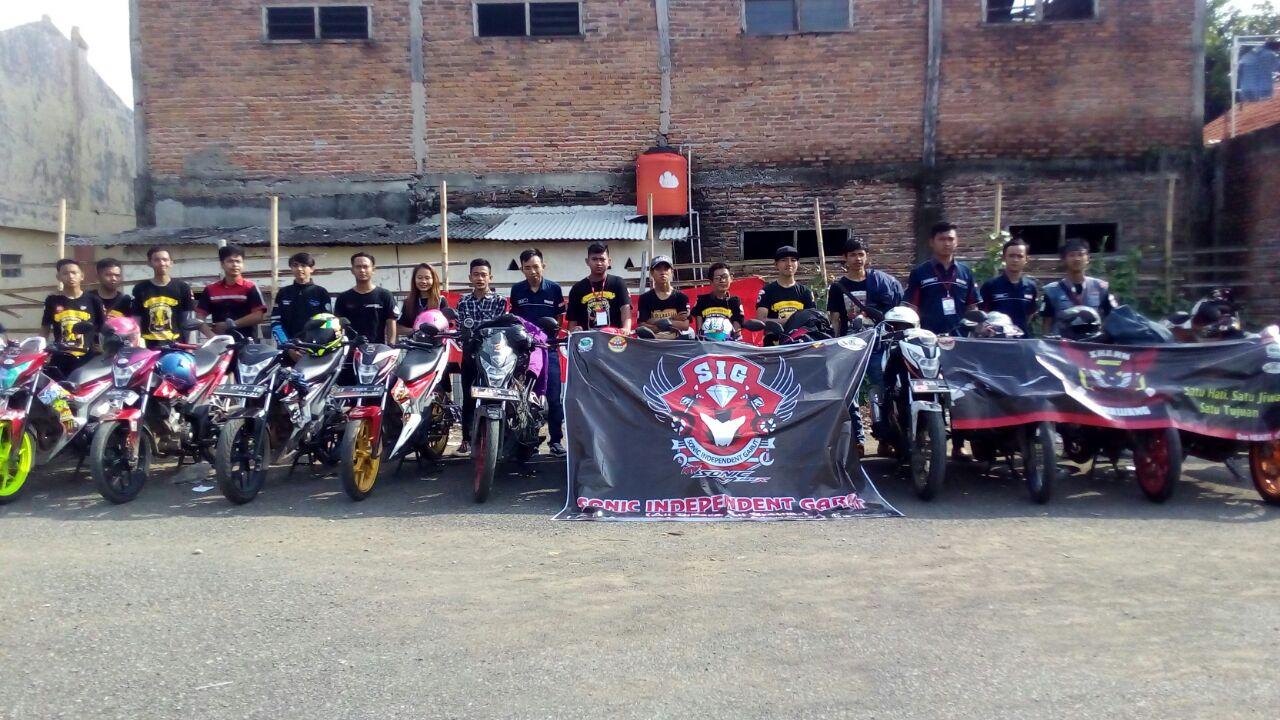 Komunitas Riders Honda Sonic se-Jabar Tumplek di Karawang