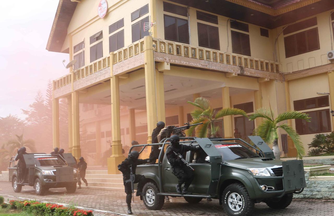 "Pasukan Raider 111 Bebaskan Pejabat Aceh Tamiang dari ""Sekapan Penculikan"""