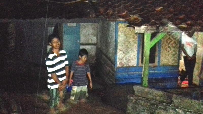 Banjir Terus Menggenangi Warga Desa Cilandak Purwakarta