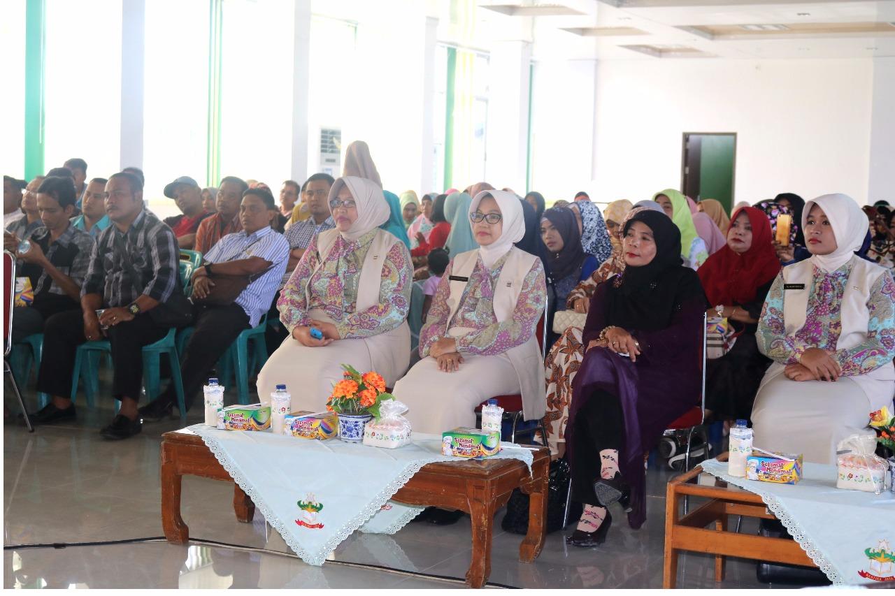 Darwati Kunjungi Sejumlah Posko Pengungsian di Aceh Utara