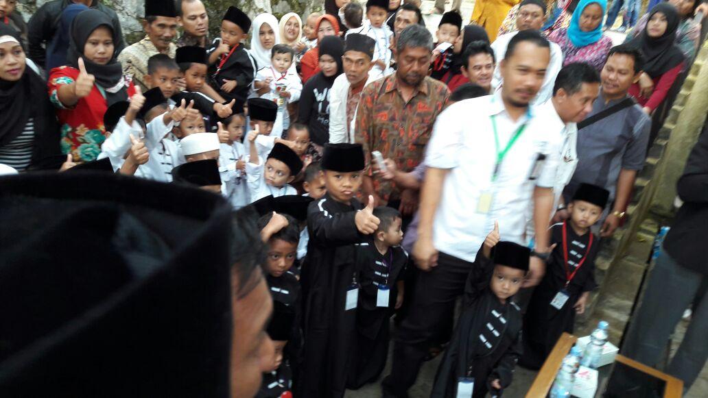 PLN Area Sukabumi Khitan 90 Anak