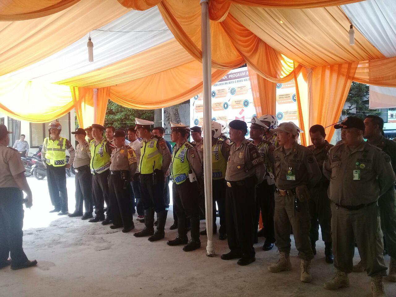 Hari Terakhir, Polisi Tambahkan 60 Personil Jaga Kantor KPUD Kota Bekasi