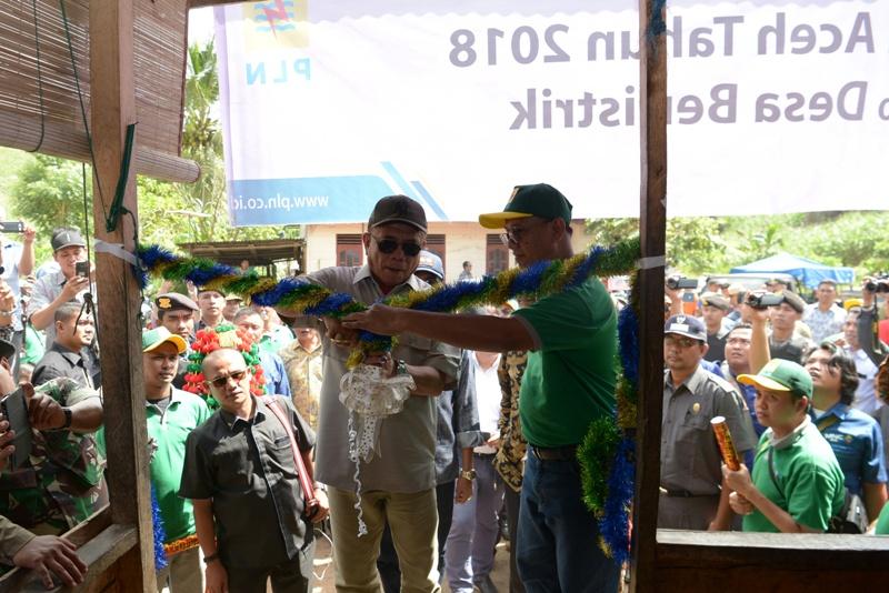 Gubernur Aceh Resmikan Listrik di Pedalaman Leuser