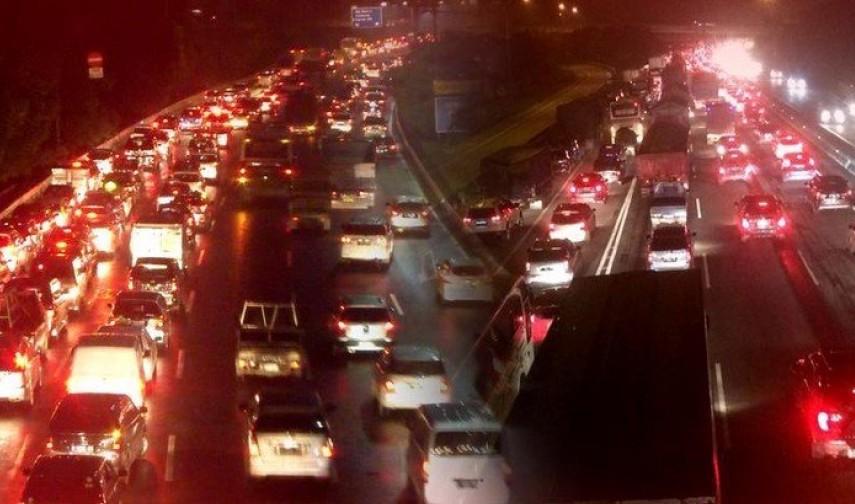 Karawang-Jakarta Macet 7 Km, Ada Apa?