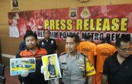 Polisi Tembak Mati Dua Penodong di Depan Blu Plaza Bekasi