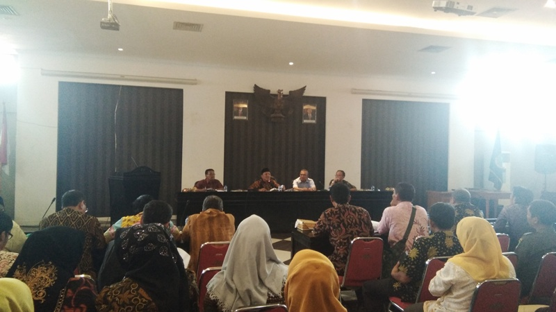 Diduga Data KPM Tidak Valid, Ratusan Kepala Desa Tolak Salurkan Rastra