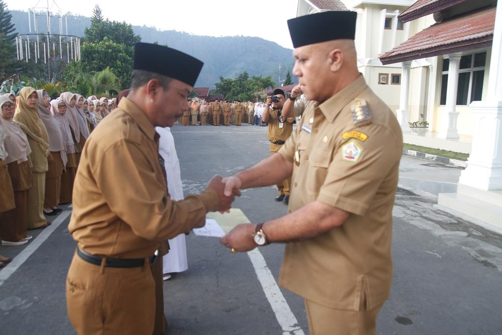 724 PNS Aceh Tengah Naik Pangkat