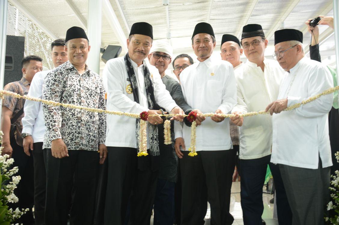 Pj Wali Kota Bekasi Resmikan Masjid Kampus Al Azhar Kemang