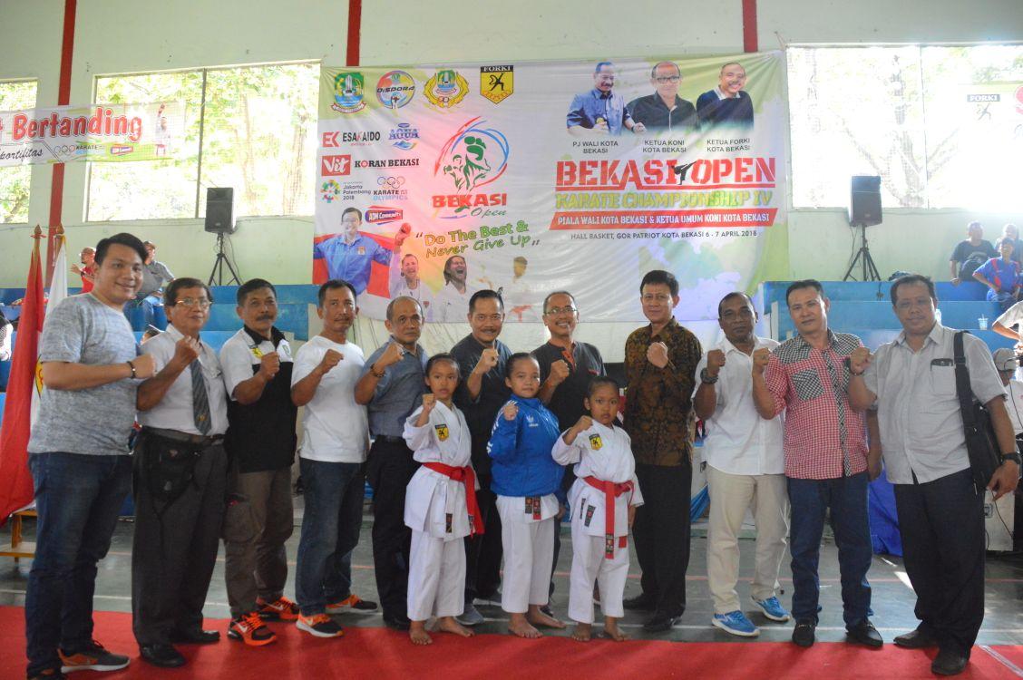 Pj Walikota Bekasi Buka Bekasi Open Karate Cup ke-4 Tahun 2018