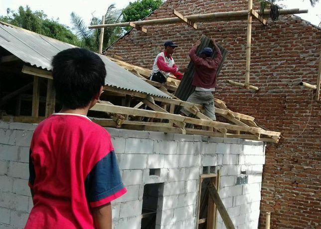 Rumah Baru untuk Padil Kini Dibangun, Bocah Penjual Kerupuk di Garut