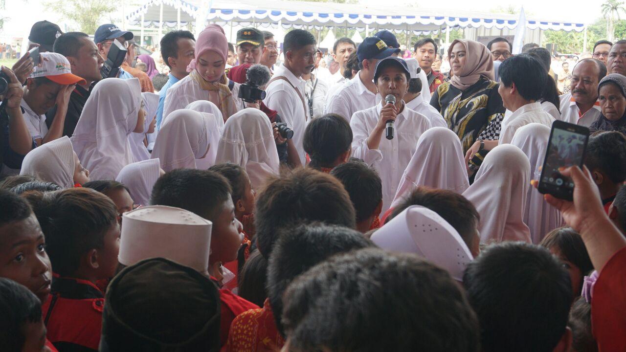 Tingkatkan Kesejahteraan Petani Karawang Melalui BUMDes Mitra Sasaran Pupuk Indonesia