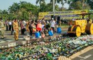 Jelang Ramadhan, Ribuan Botol Miras dan Petasan Dimusnakan