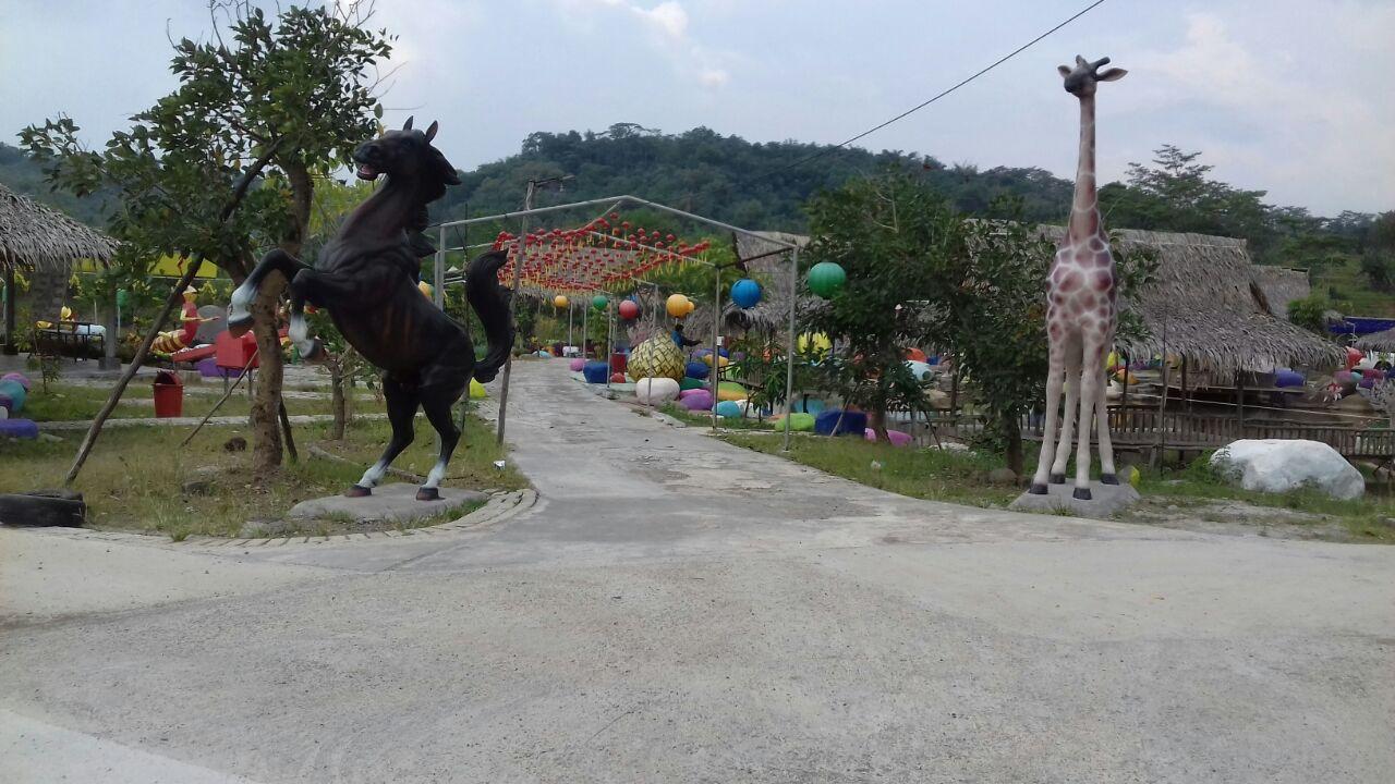 Taman Cikao Park Purwakarta Perpaduan Wisata Alam dengan Wisata Edukasi