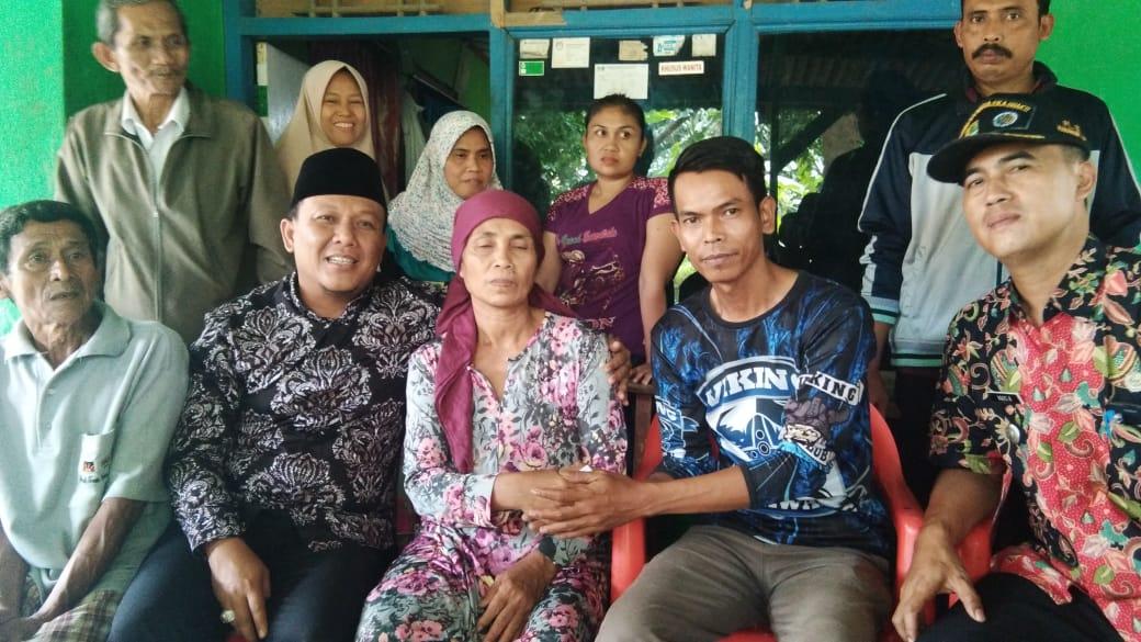 Wakil Bupati Karawang Bantu Warga Pasirjengkol Penderita Kanker Payudara Selama 20 Tahun