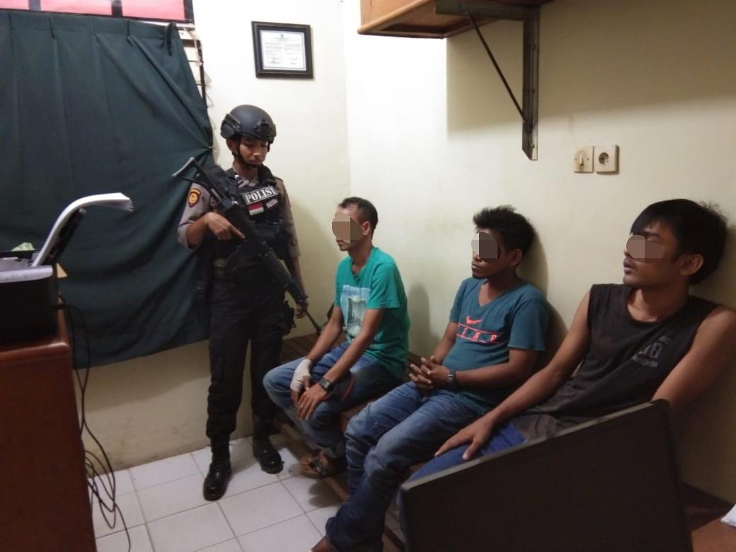 Tiga Pria Saat Main Ludo Diringkus Polisi Bawa 3 Bungkus Sabu