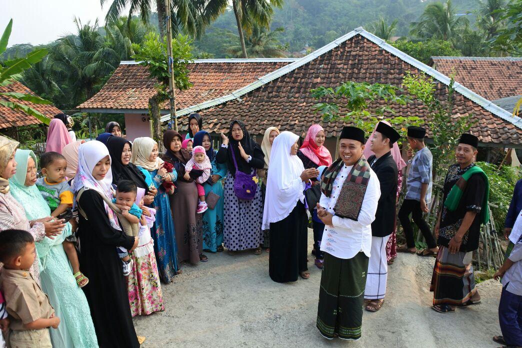 Camat Jatiluhur Pusatkan Sholat Ied di Desa Cibinong