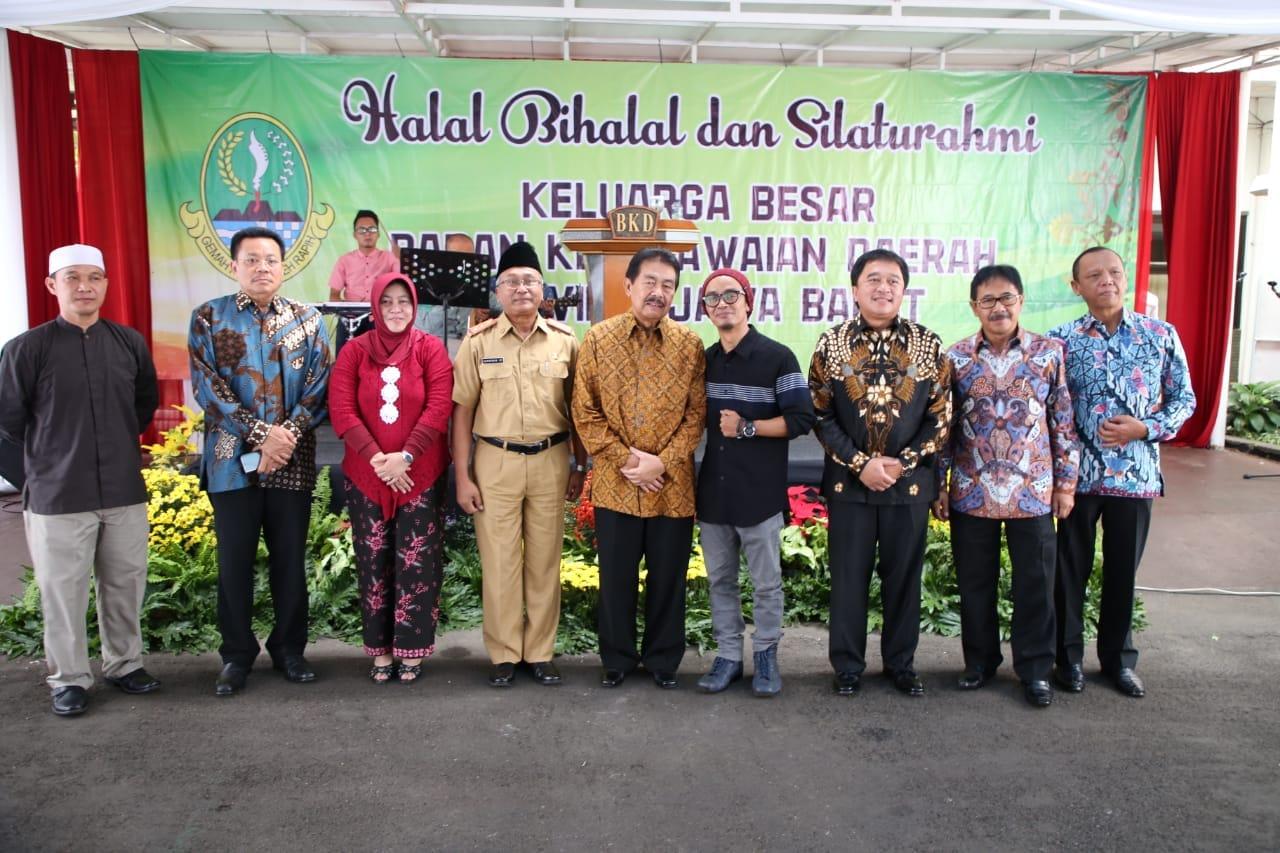Halal Bihalal BKD Jabar Dihadiri Ustad Evi Effendi dan Vicky Indonesia Idol
