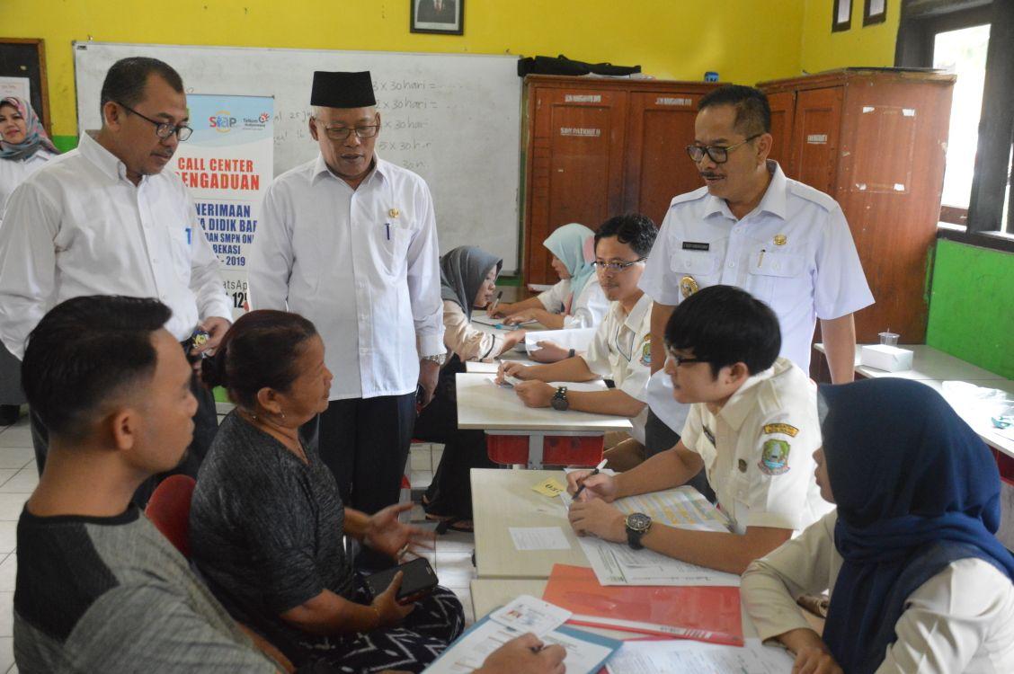 Penjabat Walikota Cek Kesiapan Verifikasi PPDB Online Kota Bekasi