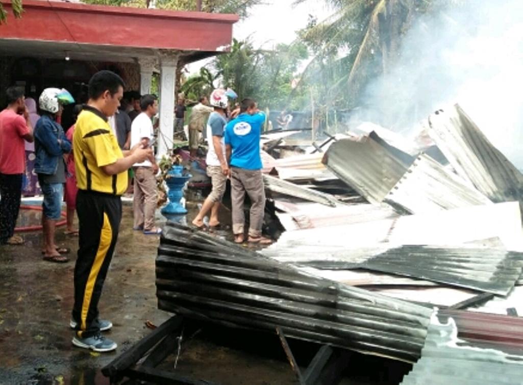 Empat Unit Rumah Ludes Terbakar, Kerugian Ditaksir Hingga Rp 400 Juta