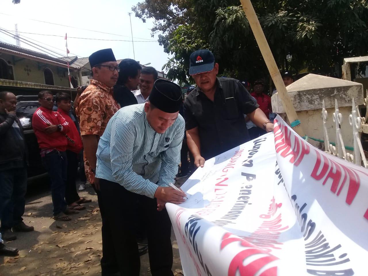 Puluhan Massa Demo Bawaslu Subang Tuntut Dugaan Pelanggaran Pilkada Dituntaskan