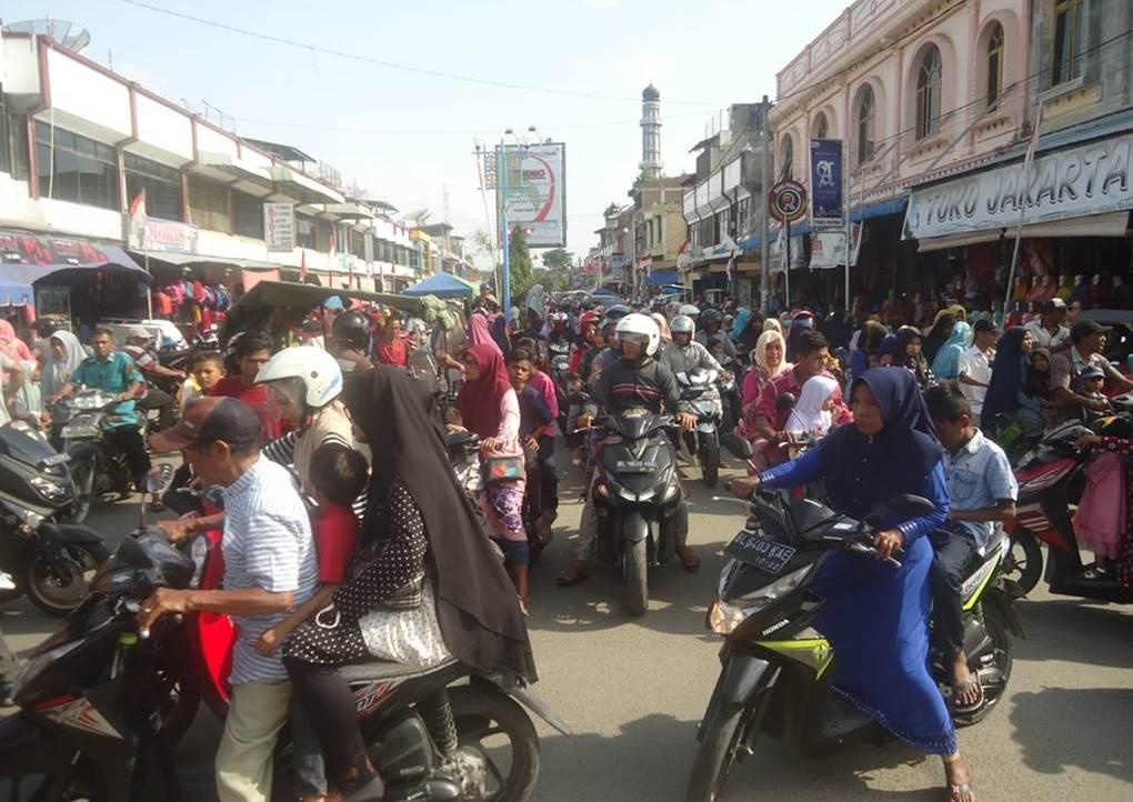 Kota Krueng Geukueh Semrawut, Camat Dewantara Lepas Tangan