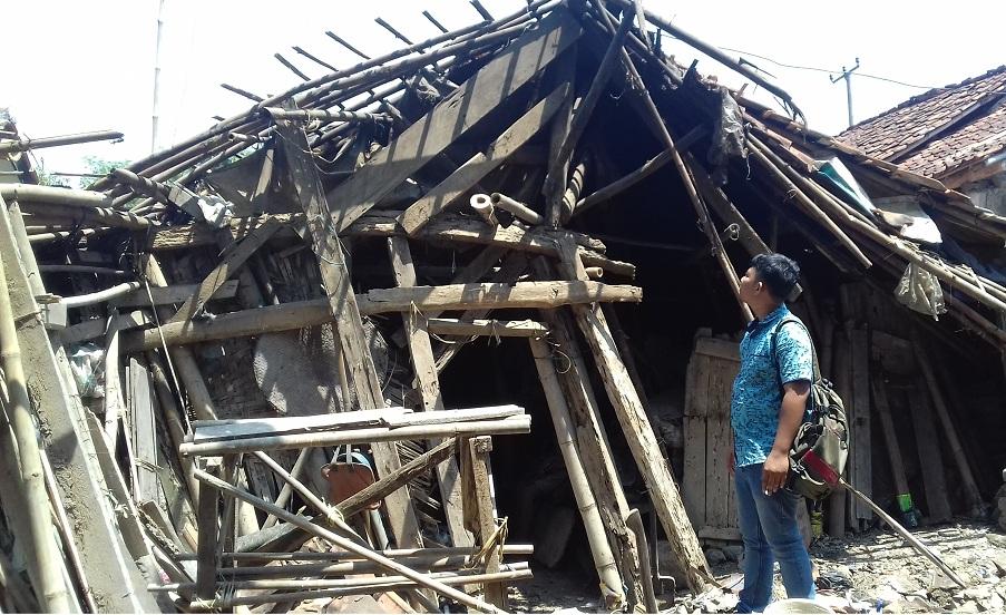 Anggaran Rutilahu Diduga Disunat, Warga Kebingungan Hanya Dapat Bahan Bangunan