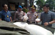 Polisi Sita 40 Karung Tepung Terigu Kadaluarsa Bahan Baku Bumbu Instan Seblak