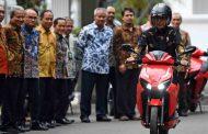 Gesits, Sepeda Motor Listrik Karya Anak Bangsa Mengaspal di Istana Negara
