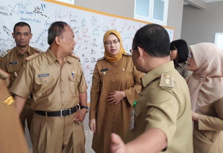 Pemkab Purwakarta Terima Tim Surveior KARS di RSBA