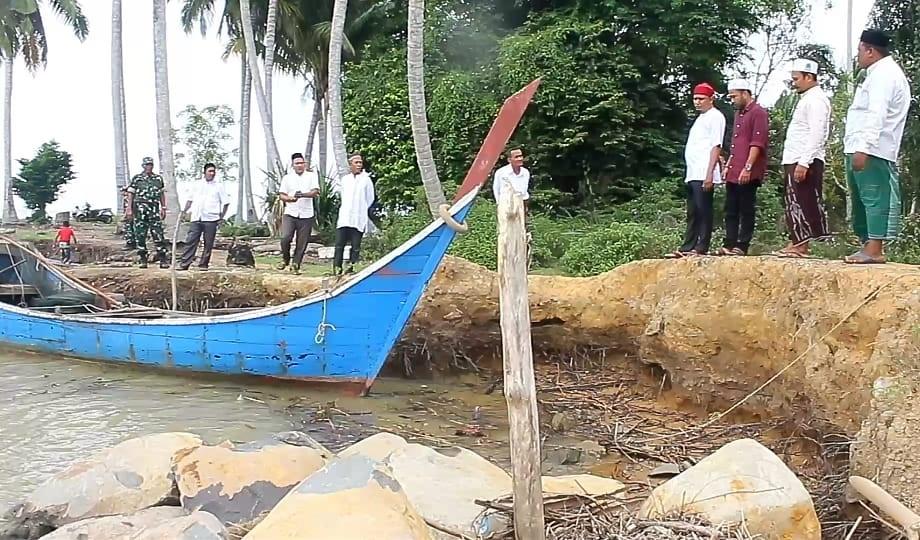 Wilayah Pesisir Kuala Keureutoe Tergerus Abrasi, Masyarakat Minta Perhatian Pemerintah