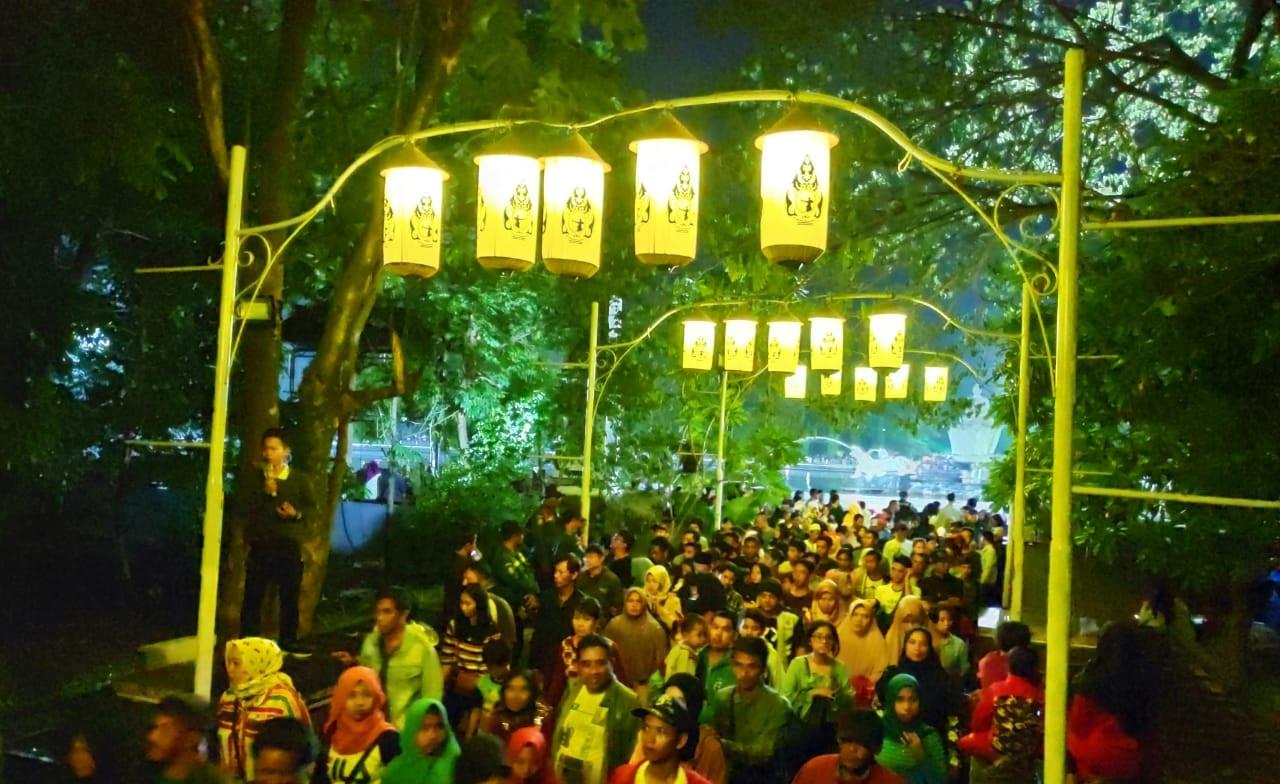 Wow ... 68 Ribu Wisatawan Kunjungi Taman Air Mancur Sri Baduga di Malam Tahun Baru
