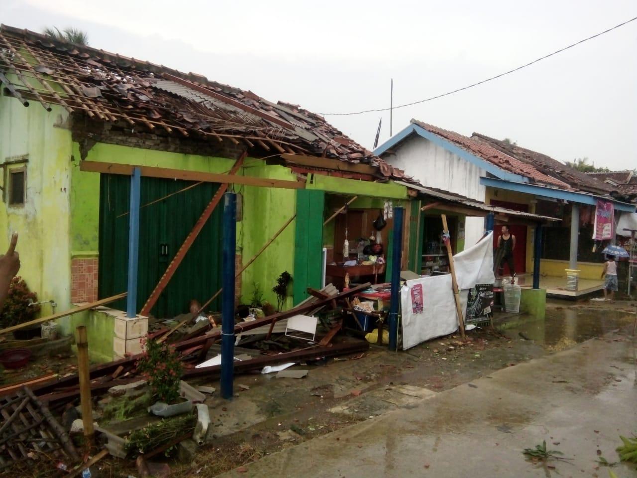 42 KK Korban Puting Beliung di Cilamaya Akan Dapat Bantuan Dana dari Pemerintah