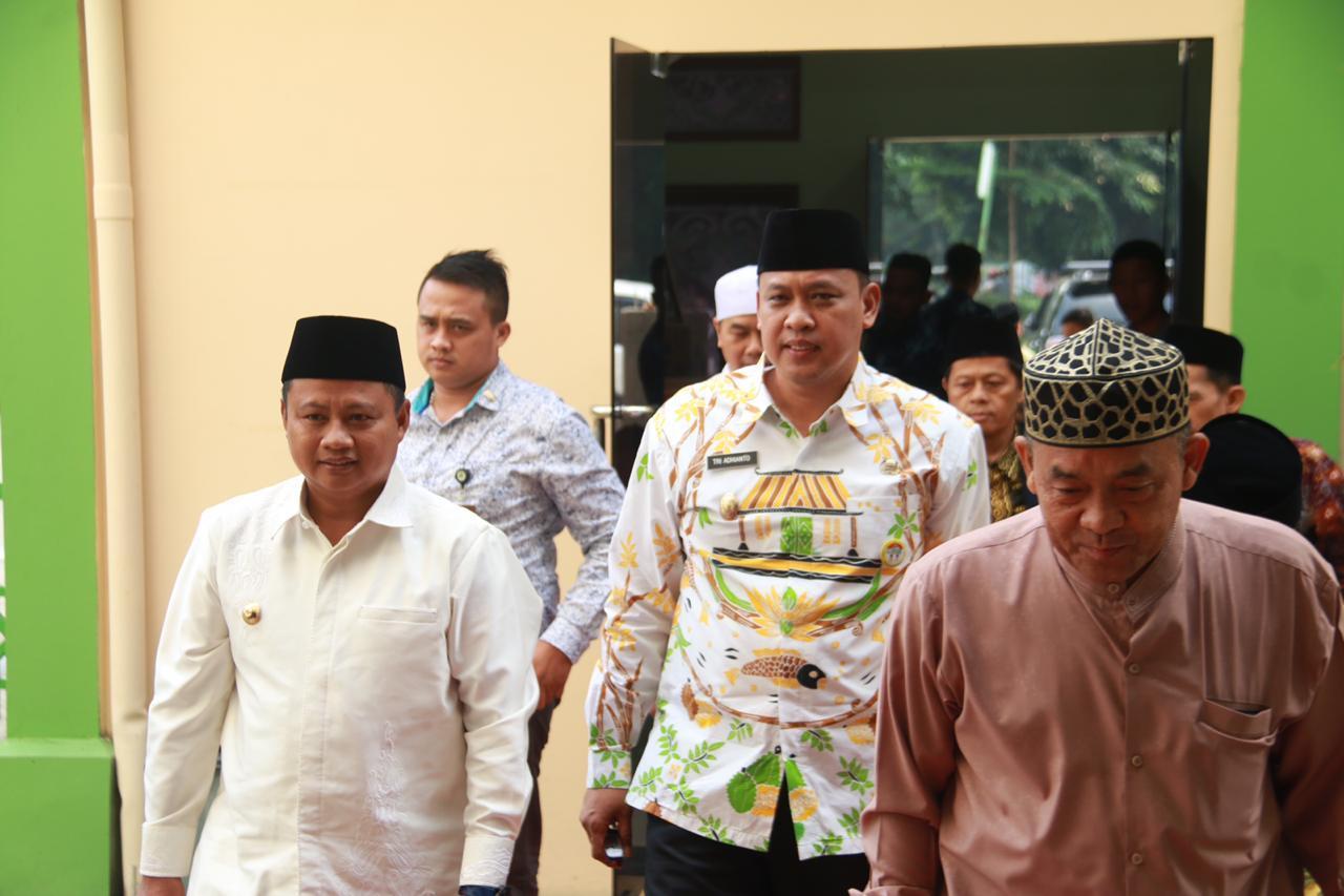 Safari Ramadhan di Kota Bekasi, Wakil Gubernur Jawa Barat Santuni Yatim dan Dhuafa