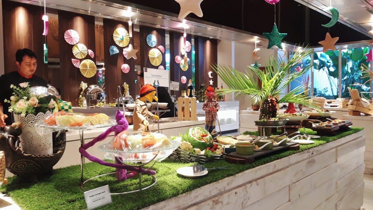 Nikmati Tradisi Buka Puasa Bersama dengan Ragam Hidangan Lezat di Mercure
