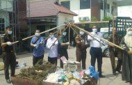 Hari Bhakti Adhyaksa ke - 59 Kejari Aceh Timur Diwarnai Pemusnahan Barang Bukti