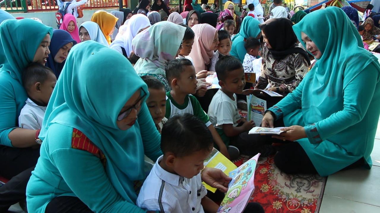 Membentuk Mental Anak Bangsa Lewat Gerakan Nasional Membaca Buku