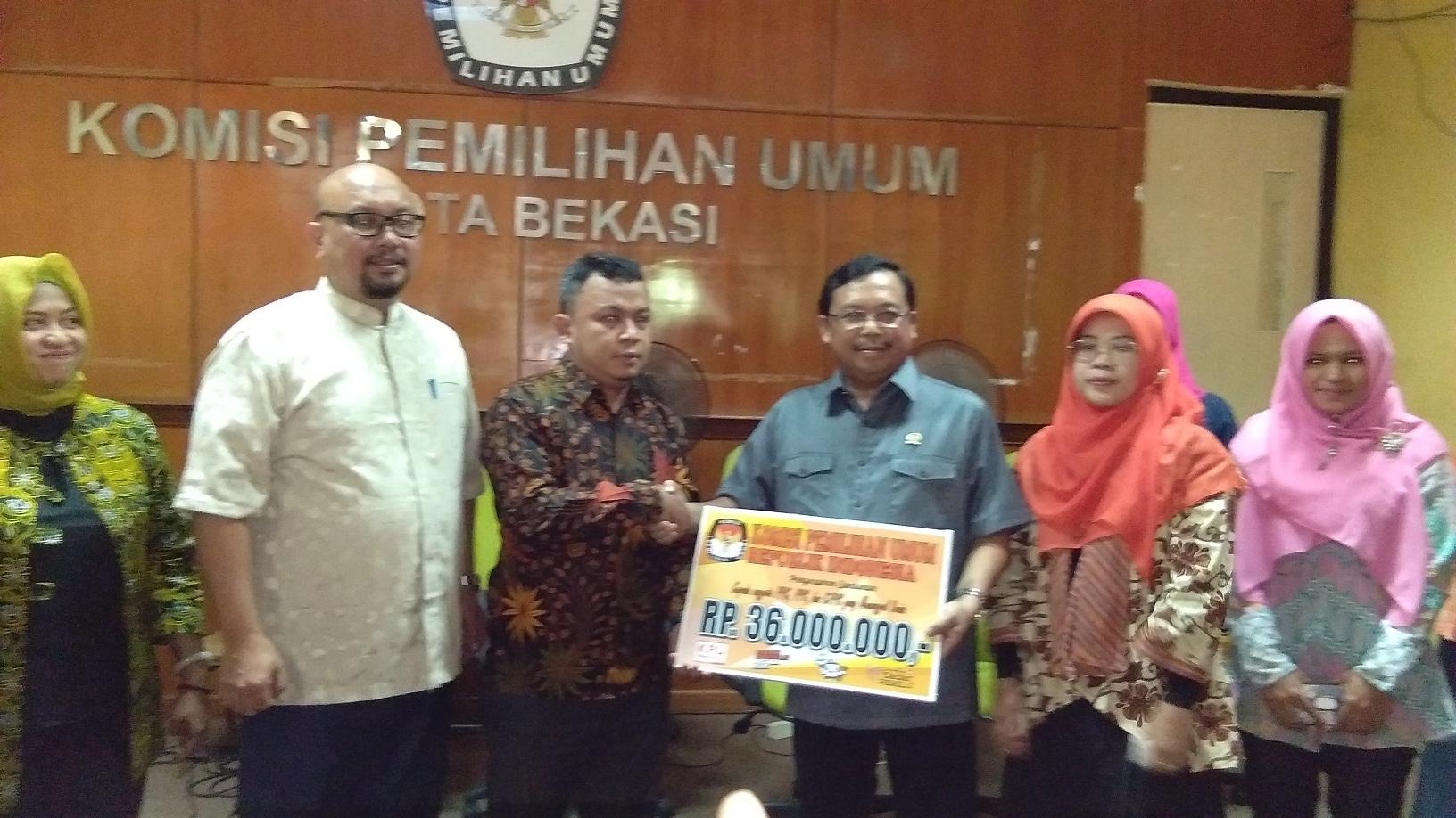 Rp 360 Juta dari KPU untuk 10 Ahli Waris PPS dan KPPS yang Meninggal di Kota Bekasi