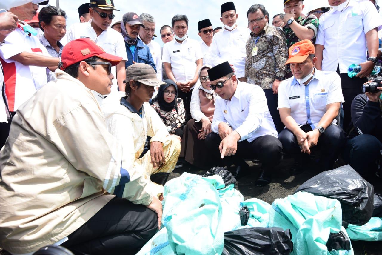Lebih dari 1500 Personil Perkuat Penanganan Tumpahan Minyak Mentah Pantai Karawang