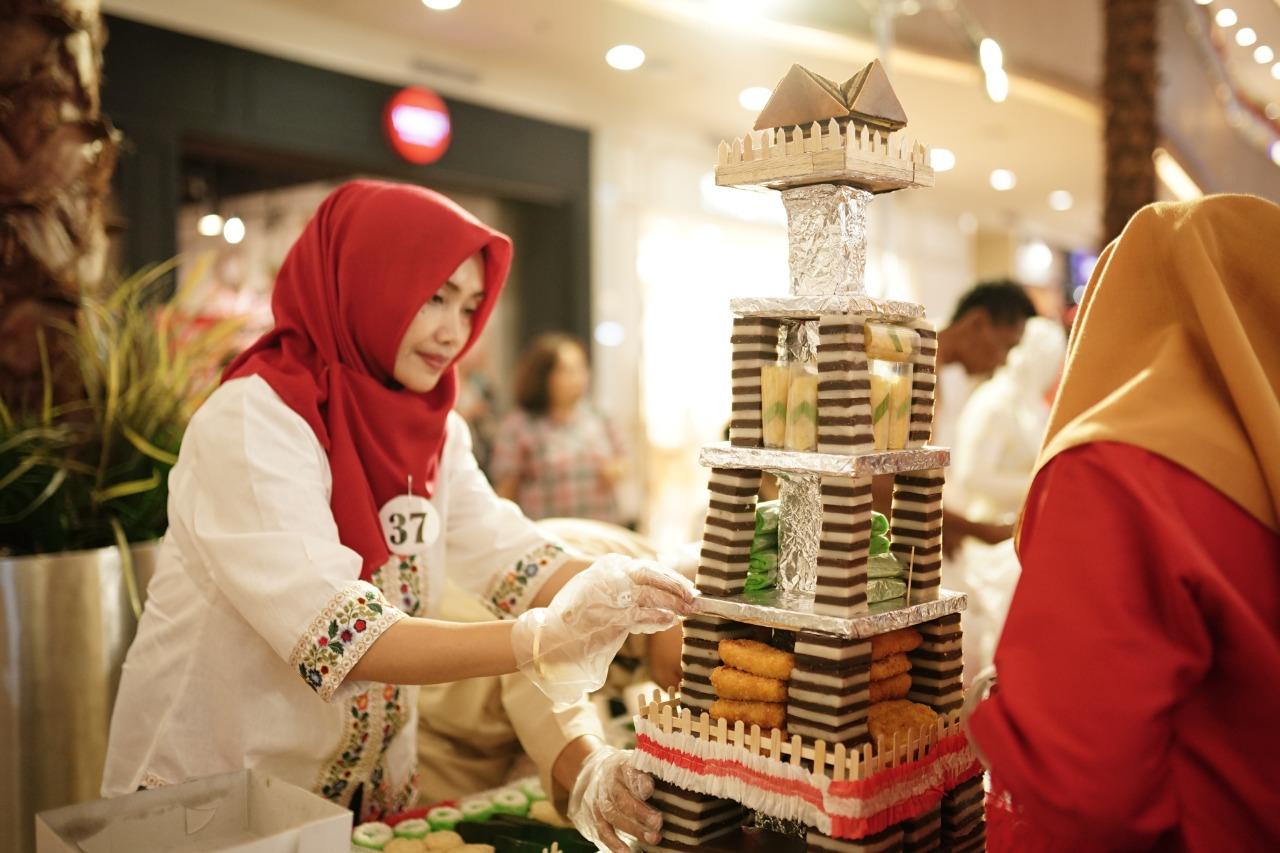 Grand Metropolitan Gelar Adu Bakat Hias Jajanan Pasar