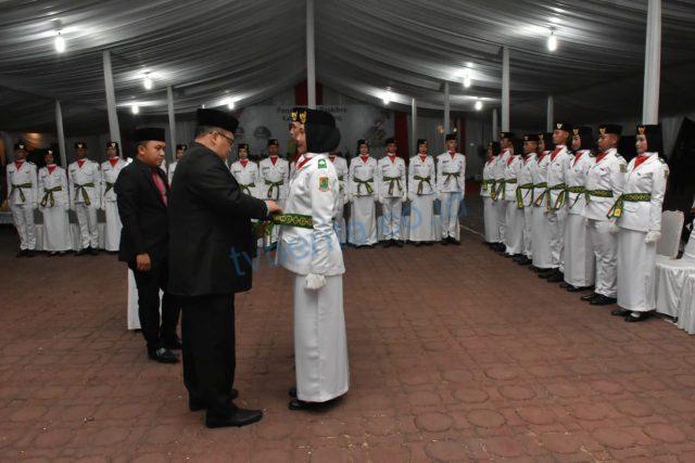 Sekda Karawang Kukuhkan 52 Anggota Paskibraka 2019