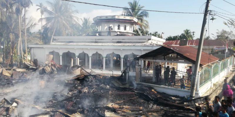 Ruko dan Masjid di Pirak Timu Ludes Terbakar