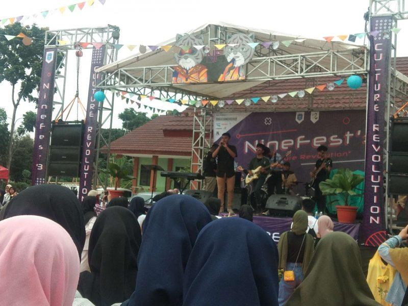 Salurkan Bakat Siswa, SMKN 9 Helat Nine Festival
