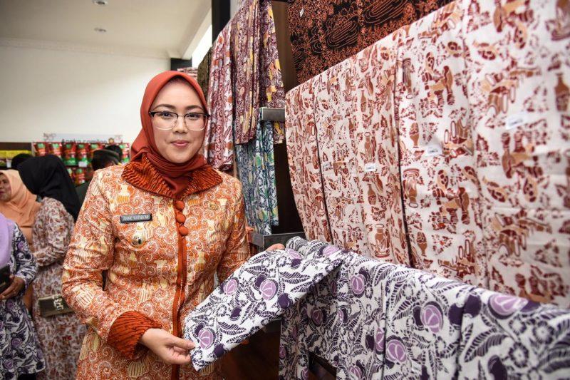 Bupati Purwakarta Resmikan Galeri Menong 2 dan Batik Khas Purwakarta