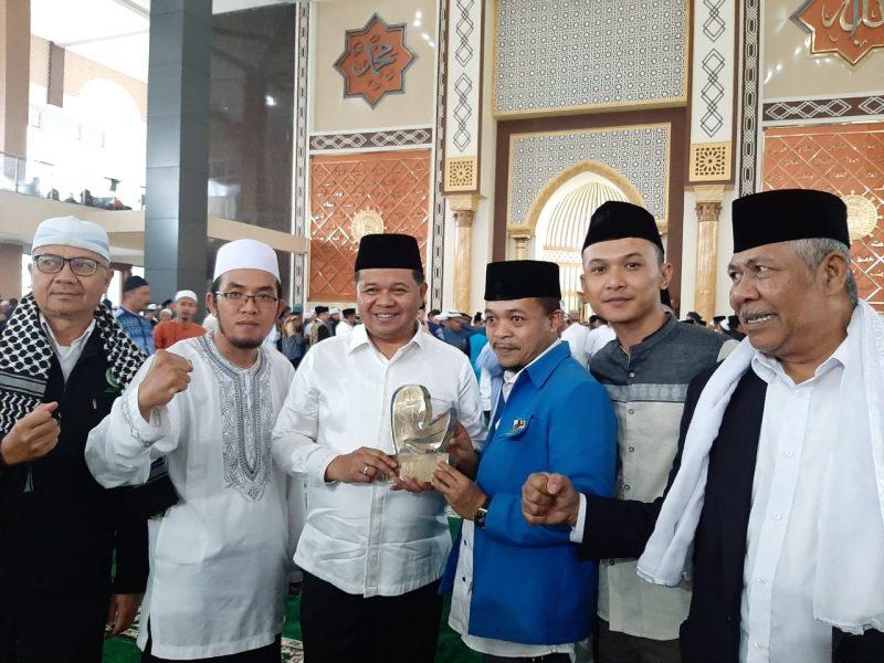 KNPI Berikan Penghargaan ke Bupati Bandung Barat